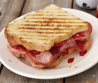 spoiltpig - Latest News - The ultimate bacon sandwich